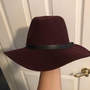 💖Sold💖 Beautiful burgundy fall hat. Brand new